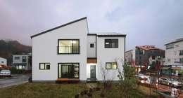 modern Houses by 윤성하우징