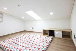 동화속 나만의 공간 [안성 미산리]: 윤성하우징의  아이방