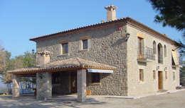 rustic Houses by ALENTORN i ALENTORN ARQUITECTES, SLP