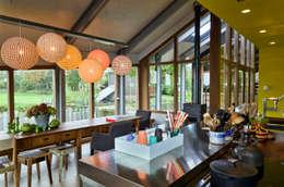 Schuurwoning Loenen aan de Vecht: landelijke Keuken door Kwint architecten