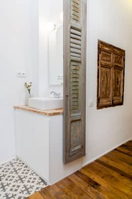 rustic Bathroom by The Sibarist Property & Homes