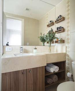 Baños de estilo moderno por Stefani Arquitetura
