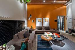 Ateliê do Mestre Cervejeiro: Salas de estar modernas por Sarau Arquitetura