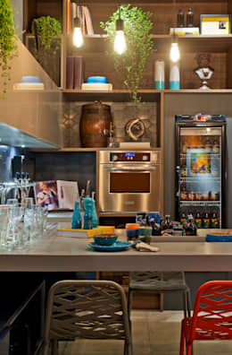 Cuisine de style de style Moderne par Sarau Arquitetura