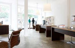 Studio Uwe Gaertner Interior Design & Photography의  서재 & 사무실