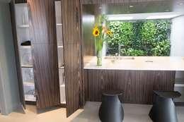 Cocinas de estilo moderno por KPK