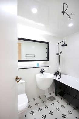 浴室 by 로하디자인