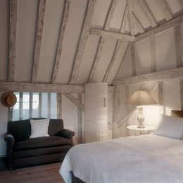 moderne Slaapkamer door Nash Baker Architects Ltd
