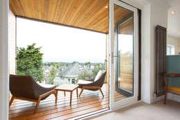 Terrazas de estilo  por Urban Creatures Architects