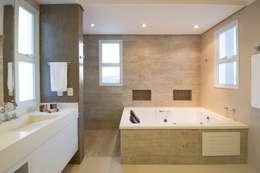 Banheiros Projetados: Banheiros modernos por ARCHITECTARI ARQUITETOS