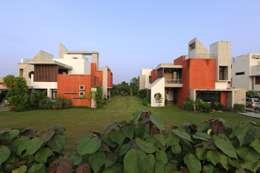Casas de estilo moderno por Vipul Patel Architects