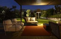 Casas de estilo moderno por Ana Lobo