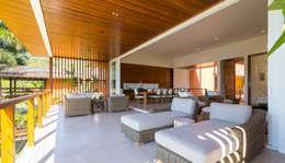 Projeto: Salas de estar modernas por Pitta - Arquitetura e Engenharia