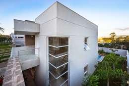 Casa, Condomínio Ibi Aram, Itupeva, São Paulo, Brasil: Casas modernas por Larissa Carbone Arquitetura e Interiores