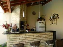 Patios by Thais Costa Arquitetura & Design