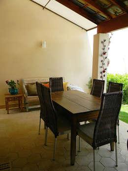 Comedores de estilo  por THACO. Arquitetura e Ambientes