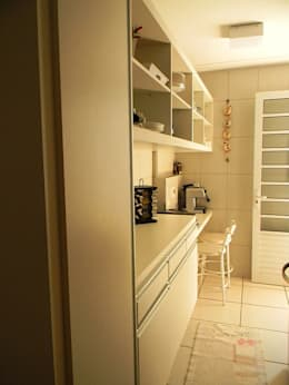 Cocinas de estilo  por THACO. Arquitetura e Ambientes