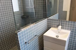modern Bathroom by obradeeva