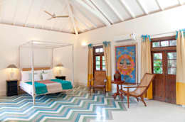 Villa Verde, Goa.: tropical Bedroom by Studio MoMo