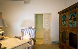 Villa Azul: modern Study/office by Studio MoMo