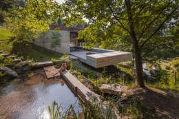 Casas modernas por Carvalho Araújo