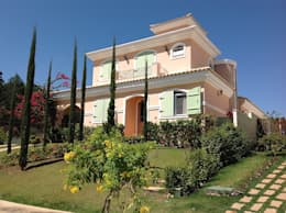 modern Houses by flaviatarricone