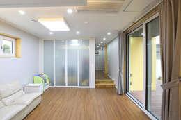 주택설계전문 디자인그룹 홈스타일토토: modern tarz Oturma Odası