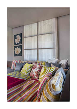 Lonavala Holiday Home : eclectic Living room by Rakeshh Jeswaani Interior Architects