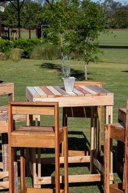 Alquiler de Livings de madera: Jardines de estilo industrial por Tienda Pallet