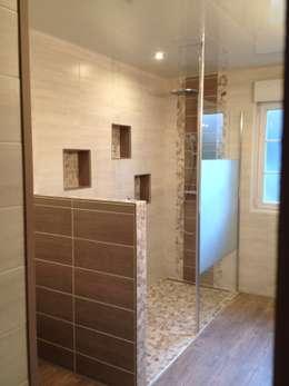Salle de bains nature: Salle de bains de style  par RG Intérieur
