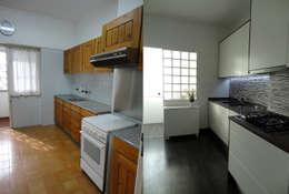 Cocinas de estilo moderno por Happy Ideas At Home - Arquitetura e Remodelação de Interiores