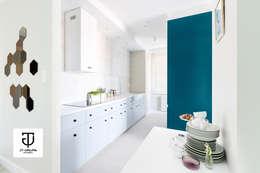 Gdańsk - Skandynawskie mieszkanie wakacyjne: styl , w kategorii Kuchnia zaprojektowany przez JT GRUPA