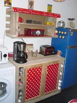 meubles de cuisine, haut et bas: Cuisine de style de style eclectique par amour de palette création