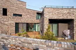 Casas de estilo moderno por GongGam Urban Architecture & Construction