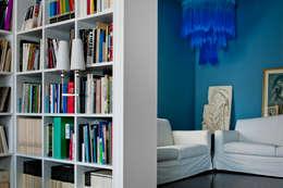 Estudios y despachos de estilo clásico por Studio Carlo Dal Bianco