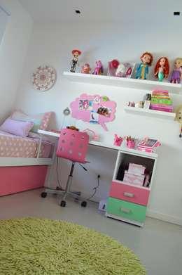 Reforma y ampliación Casa Bergallo: Dormitorios infantiles de estilo moderno por DDARQ3D