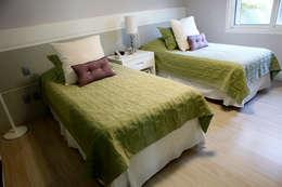 ห้องนอน by Vettori Arquitetura