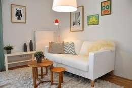 Salas de estar campestres por Karin Armbrust - Home Staging