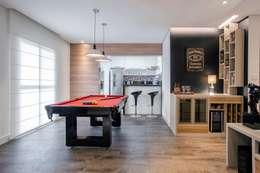 classic Living room by Andressa Saavedra Projetos e Detalhes