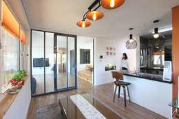 응접실: 주택설계전문 디자인그룹 홈스타일토토의  다이닝 룸