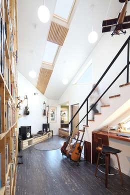 아빠작업실: 주택설계전문 디자인그룹 홈스타일토토의  서재 & 사무실