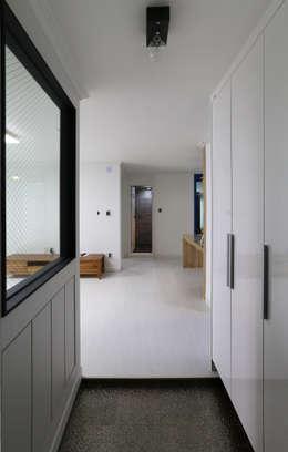 인천 우성아파트 24평 인테리어 : 금화 인테리어 의  거실