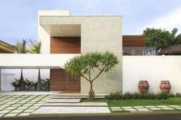 Casas de estilo moderno por FERNANDO ROMA . estudioROMA