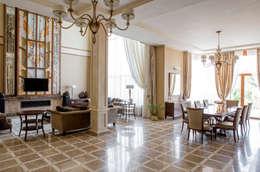 Бежево-кофейная гостиная: Гостиная в . Автор – Studio 25
