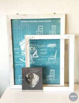Cuadros - marcos -pinturas: Salas de estilo industrial por Sepia interiores