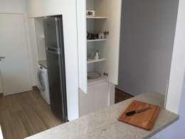 Cocinas de estilo moderno por Mercedes Milesi