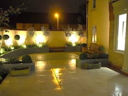 Garden design and build terrace, Bicester, Oxfordshire: classic Garden by Decorum . London