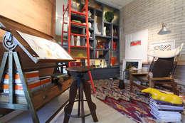 rustic Living room by TOLENTINO ARQUITETURA E INTERIORES