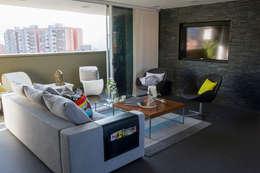 غرفة المعيشة تنفيذ Maria Mentira Studio