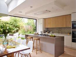 moderne Küche von Holloways of Ludlow Bespoke Kitchens & Cabinetry
